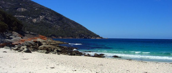 Wineglass Bay, Tasmania by spin spin (Creative Commons)